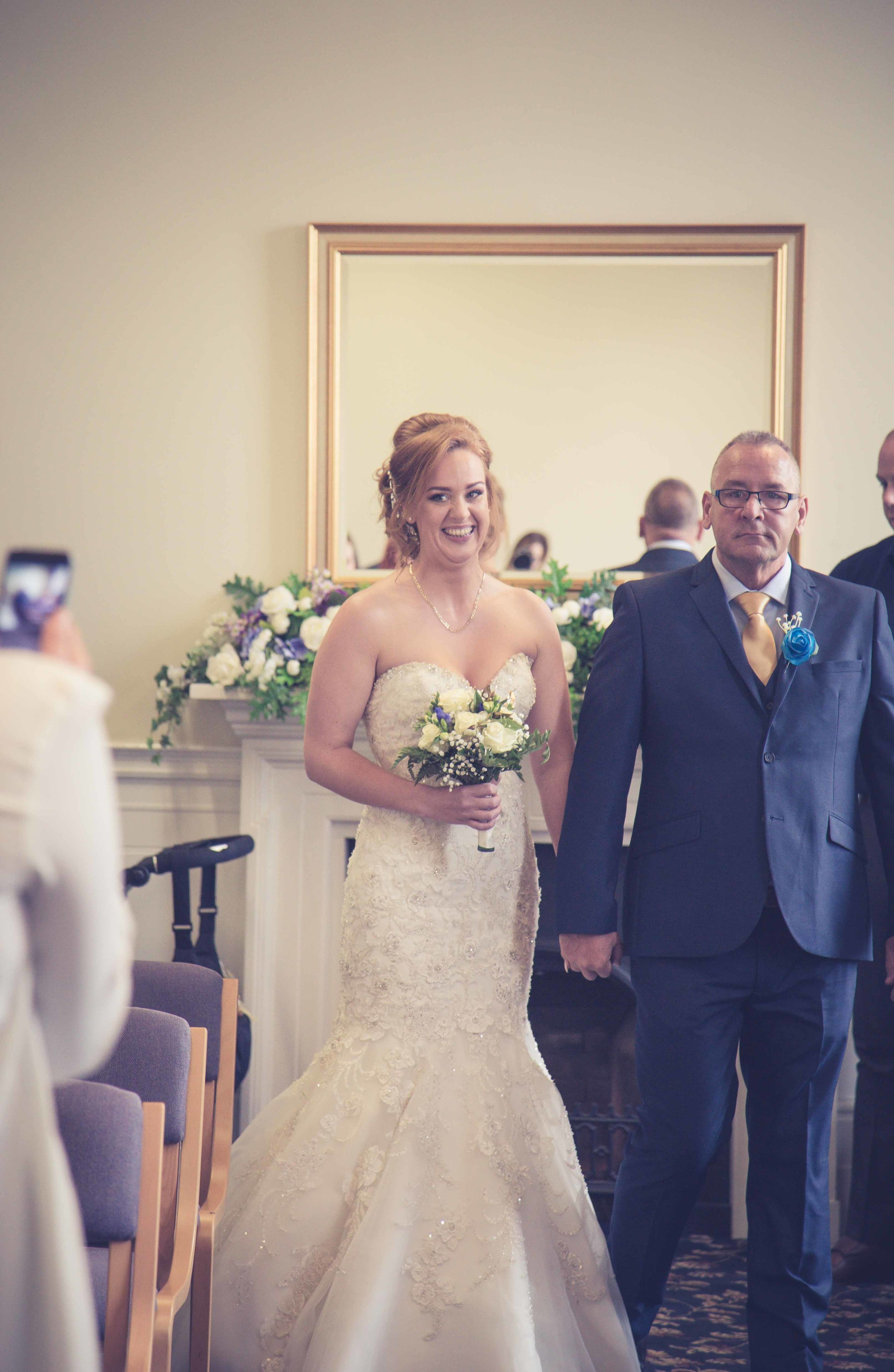 wedding-photos-at-st-georges-hall-liverpool (16 of 122).jpg