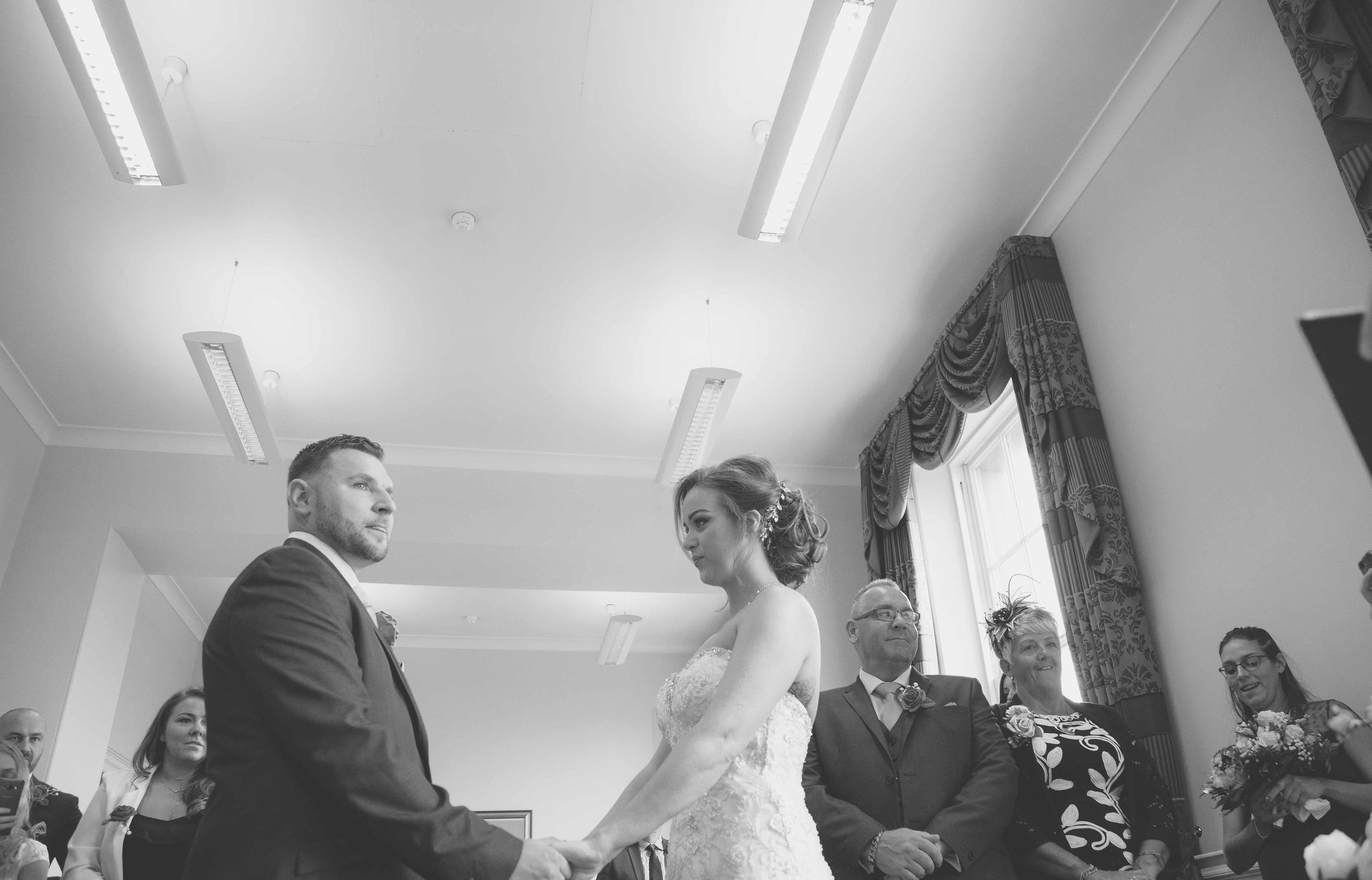 wedding-photos-at-st-georges-hall-liverpool (28 of 122).jpg
