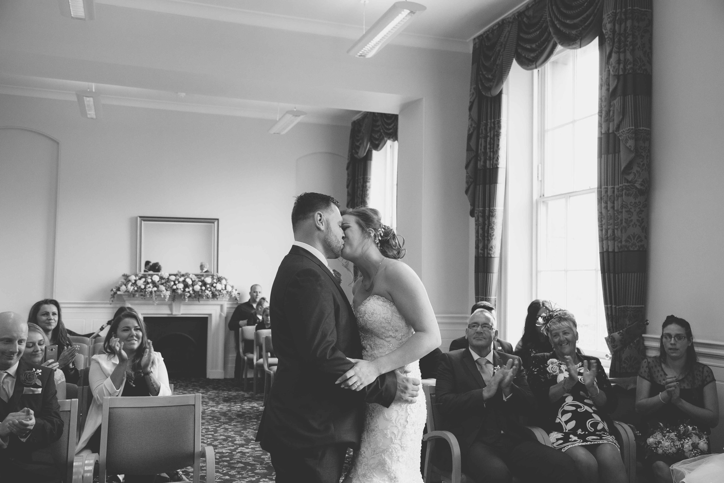 wedding-photos-at-st-georges-hall-liverpool (39 of 122).jpg