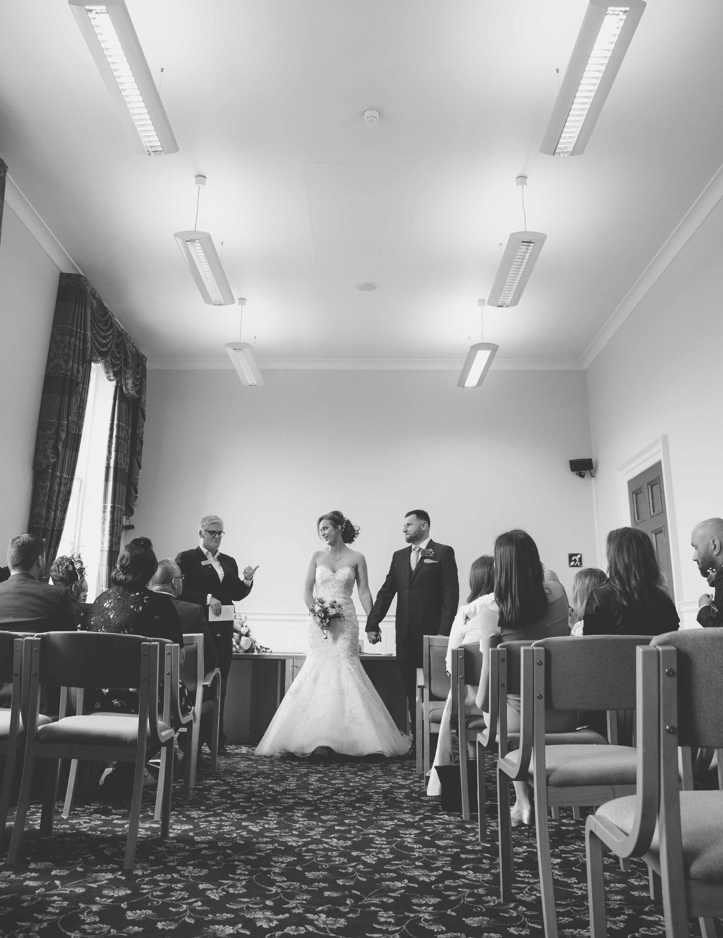 wedding-photos-at-st-georges-hall-liverpool (44 of 122).jpg