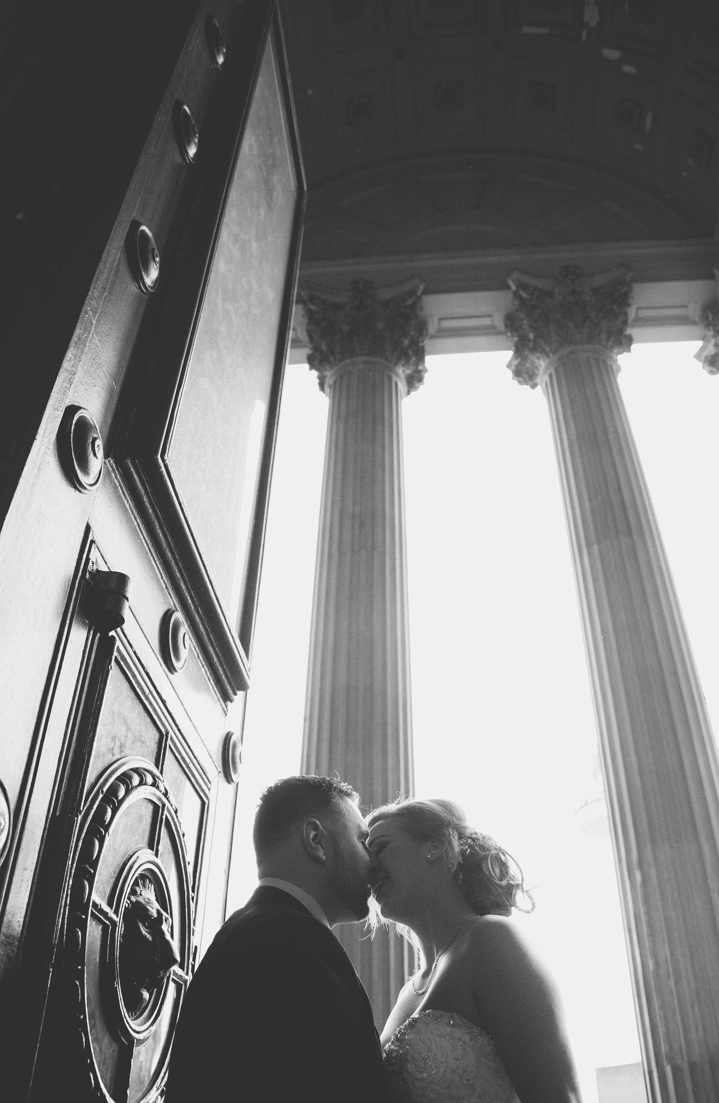 wedding-photos-at-st-georges-hall-liverpool (56 of 122).jpg