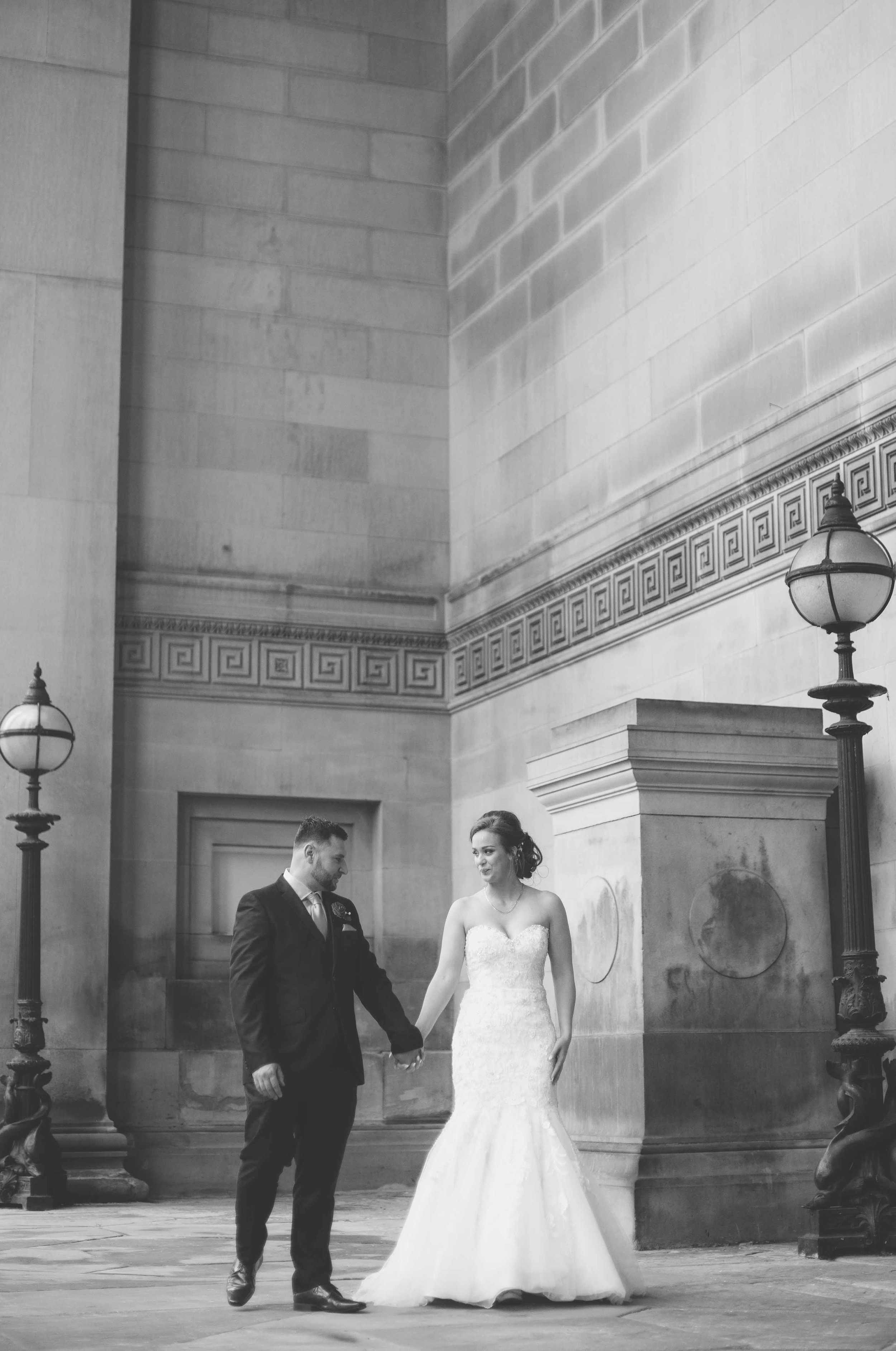 wedding-photos-at-st-georges-hall-liverpool (63 of 122).jpg