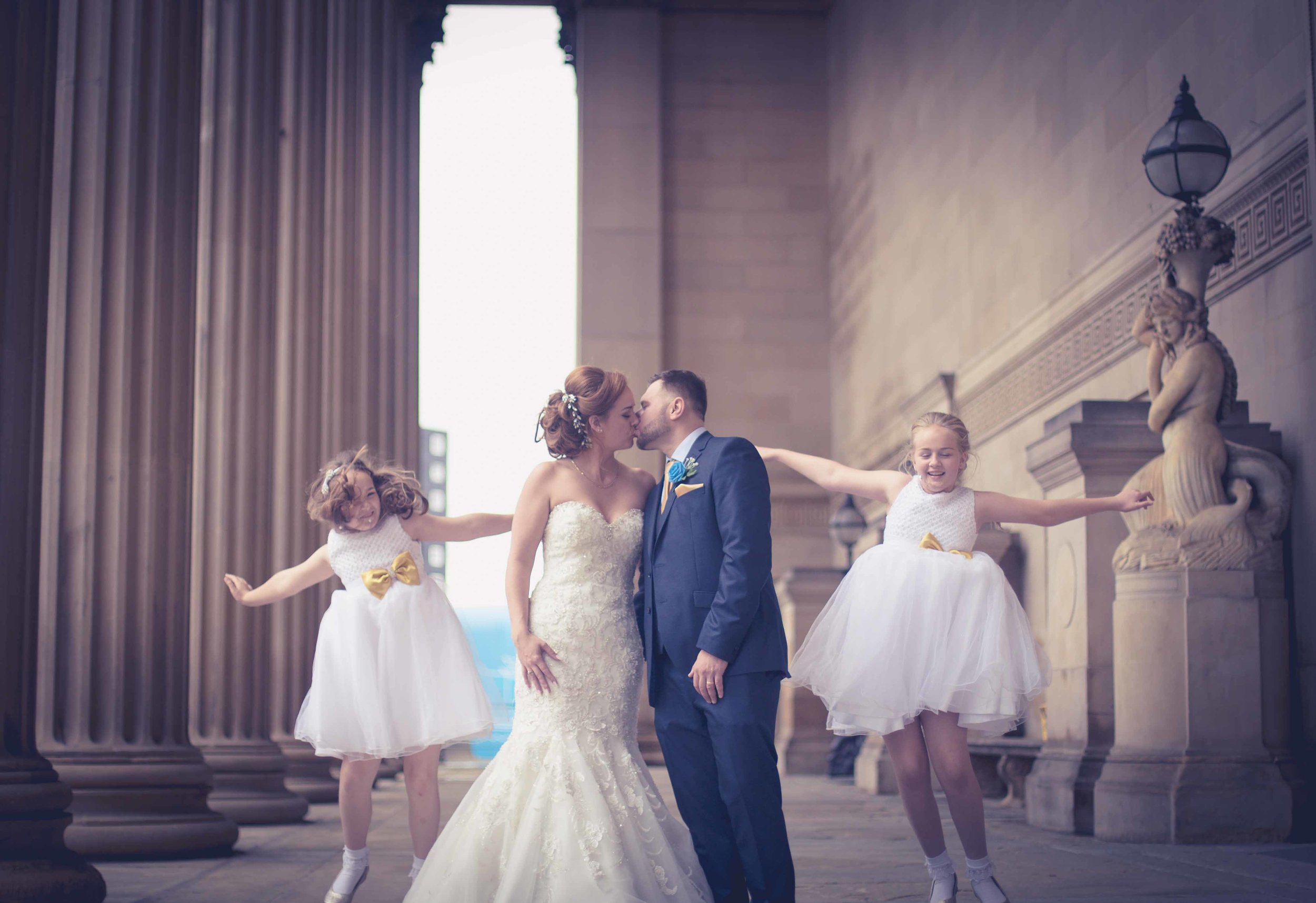 wedding-photos-at-st-georges-hall-liverpool (75 of 122).jpg