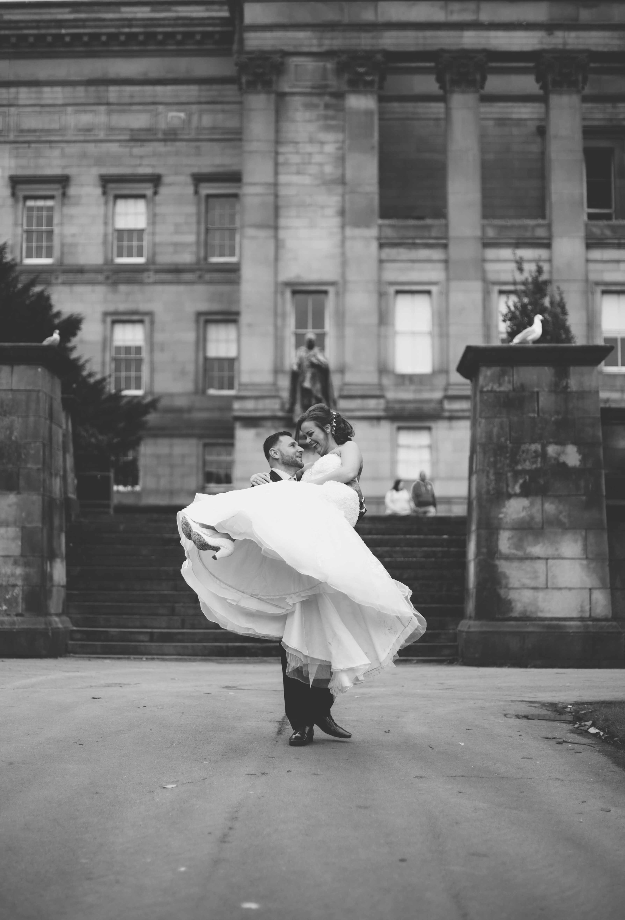 wedding-photos-at-st-georges-hall-liverpool (77 of 122).jpg