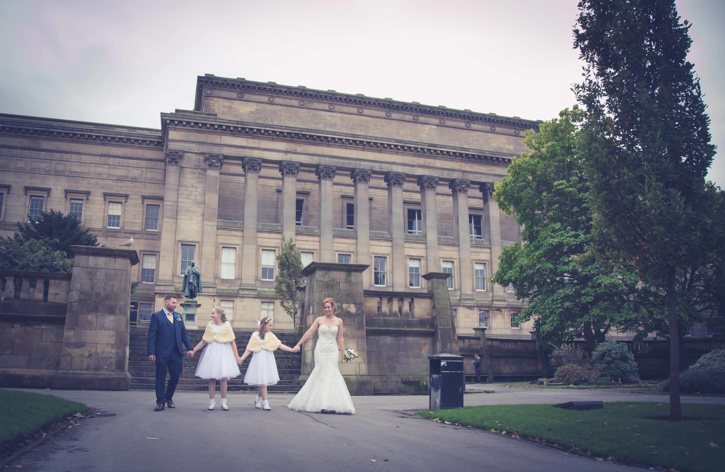 wedding-photos-at-st-georges-hall-liverpool (79 of 122).jpg
