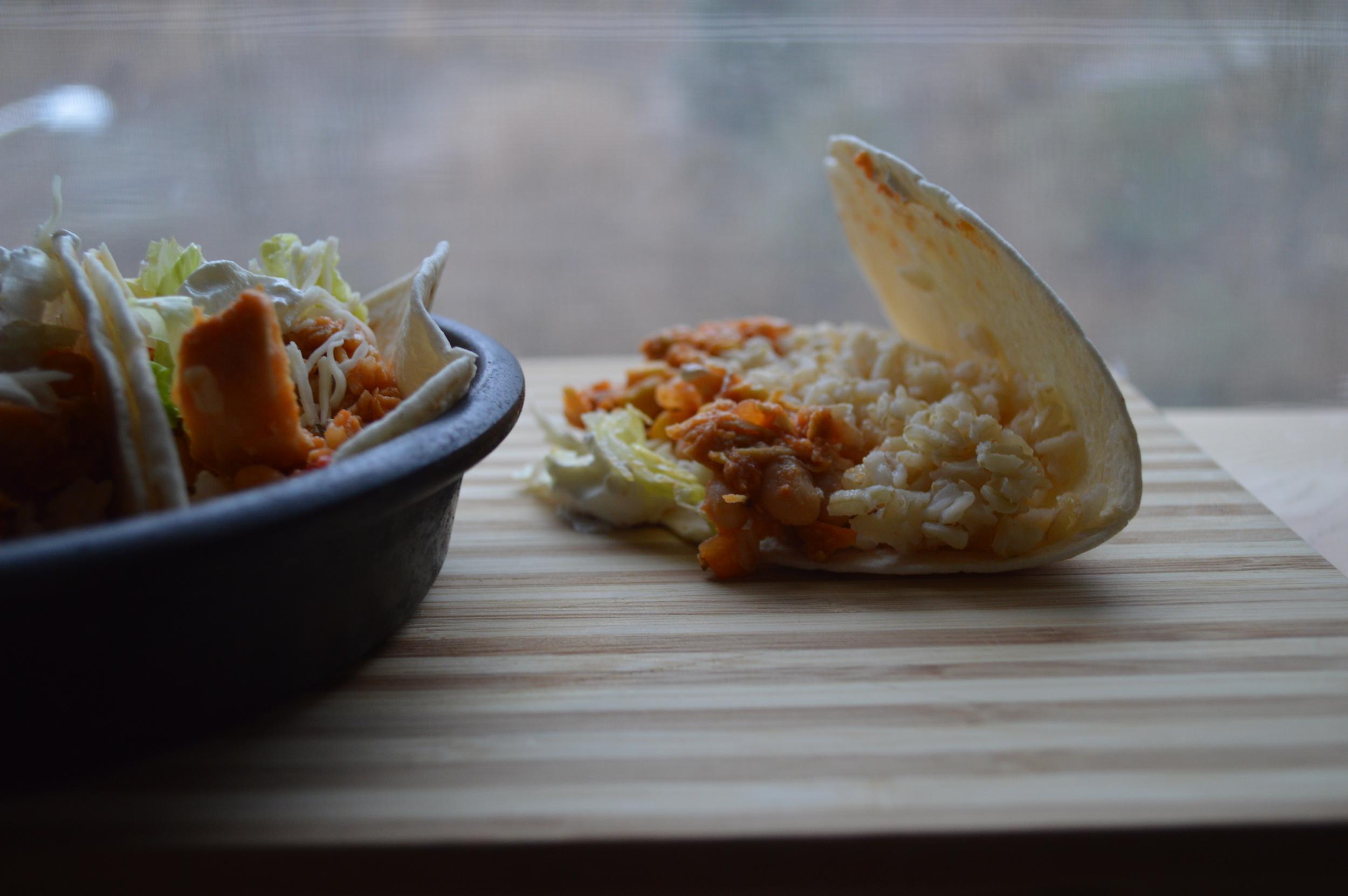 easy crockpot chicken tacos.jpg
