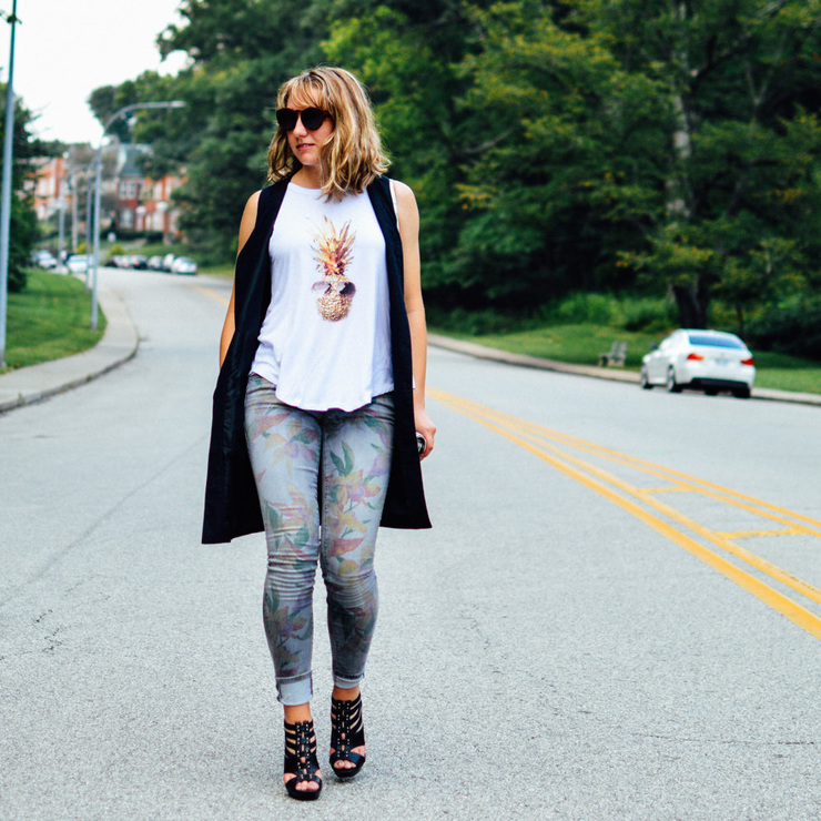 DRESSED OUT: PINEAPPLE GRAPHIC TEE