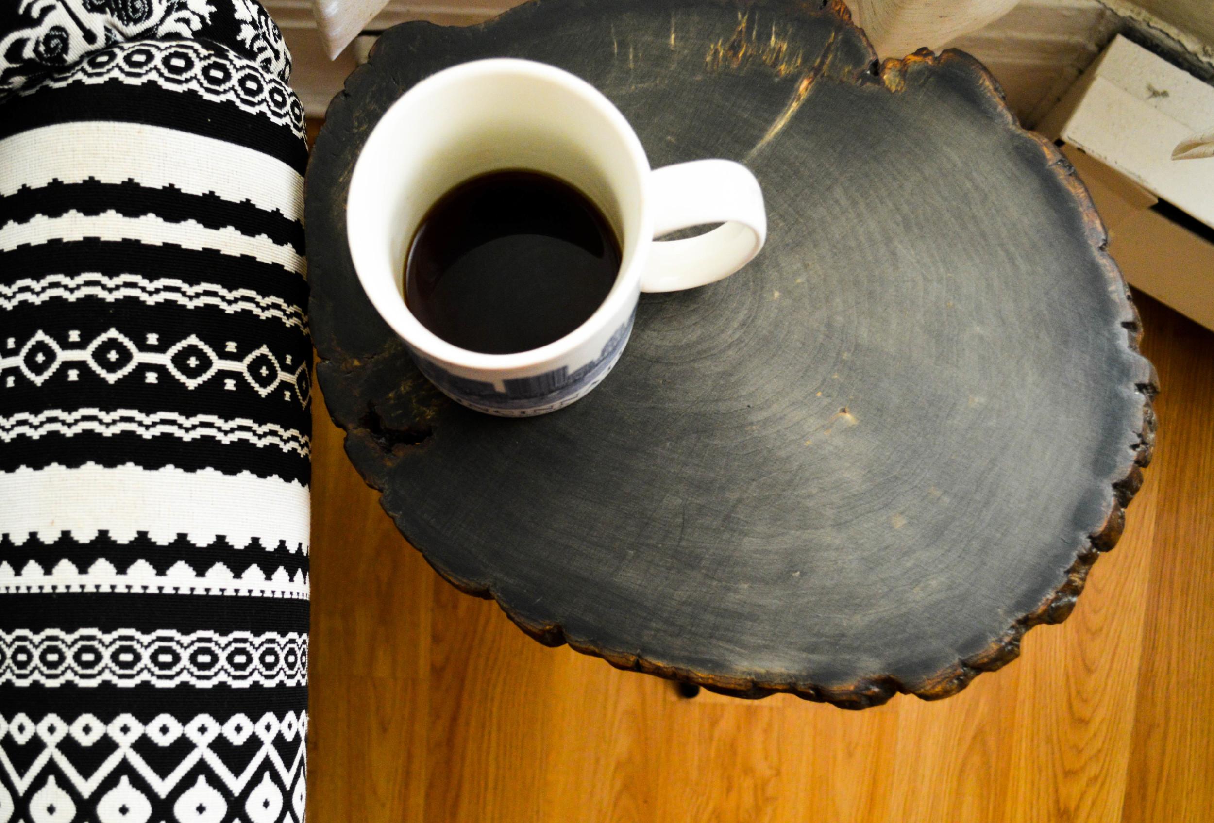 Easy DIY Tree Slice Side Table