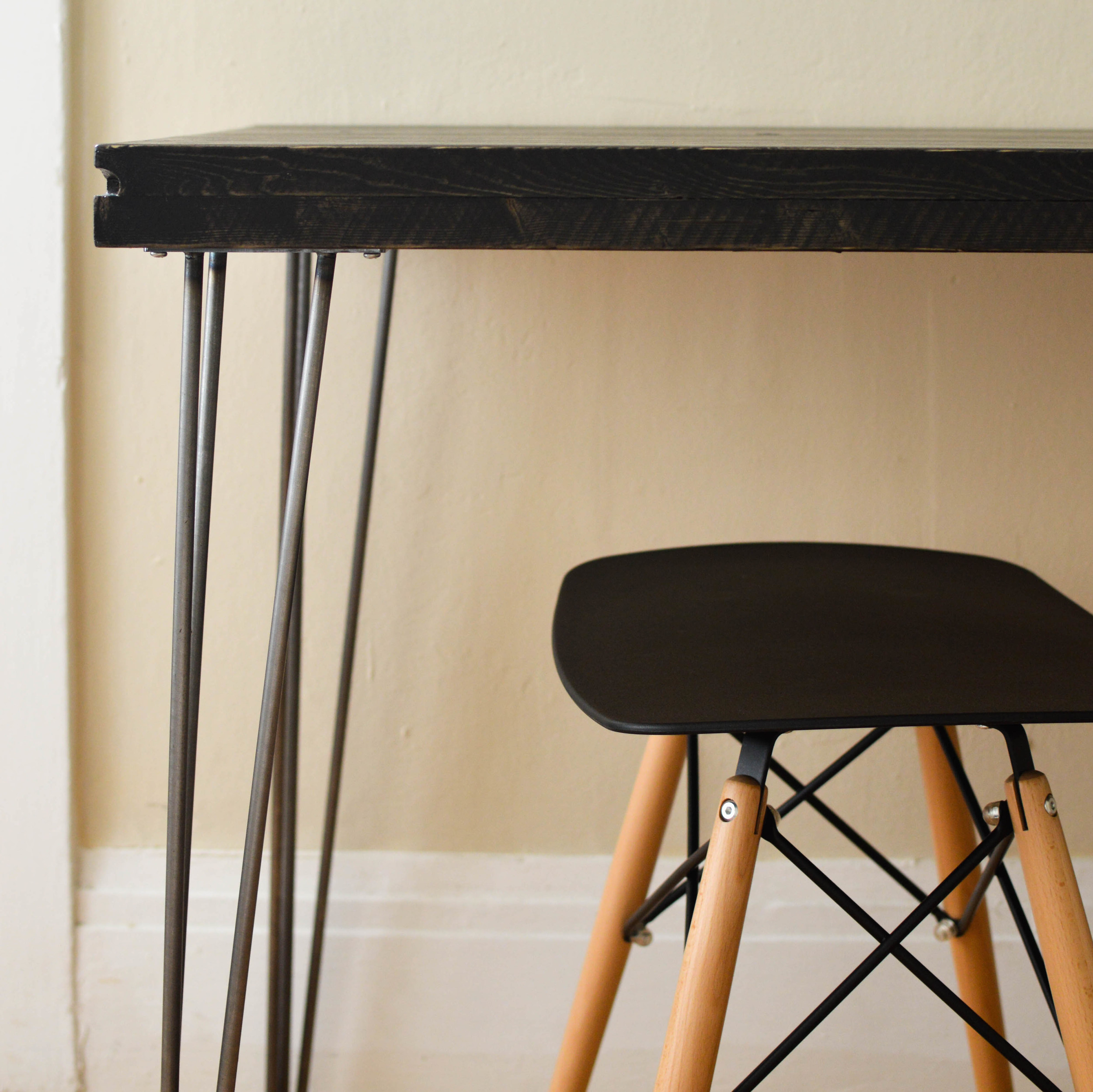 DIY HACK: CLASS UP YOUR TABLE BY SWAPPING FOR HAIRPIN LEGS