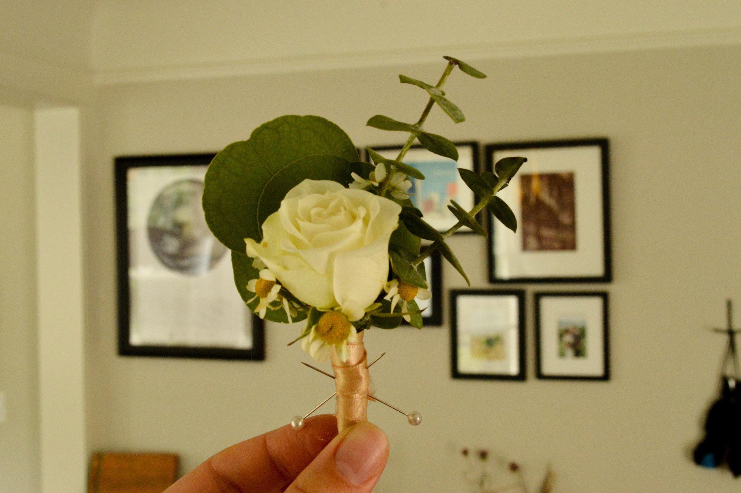 Ida Blooms DIY Boutonniere