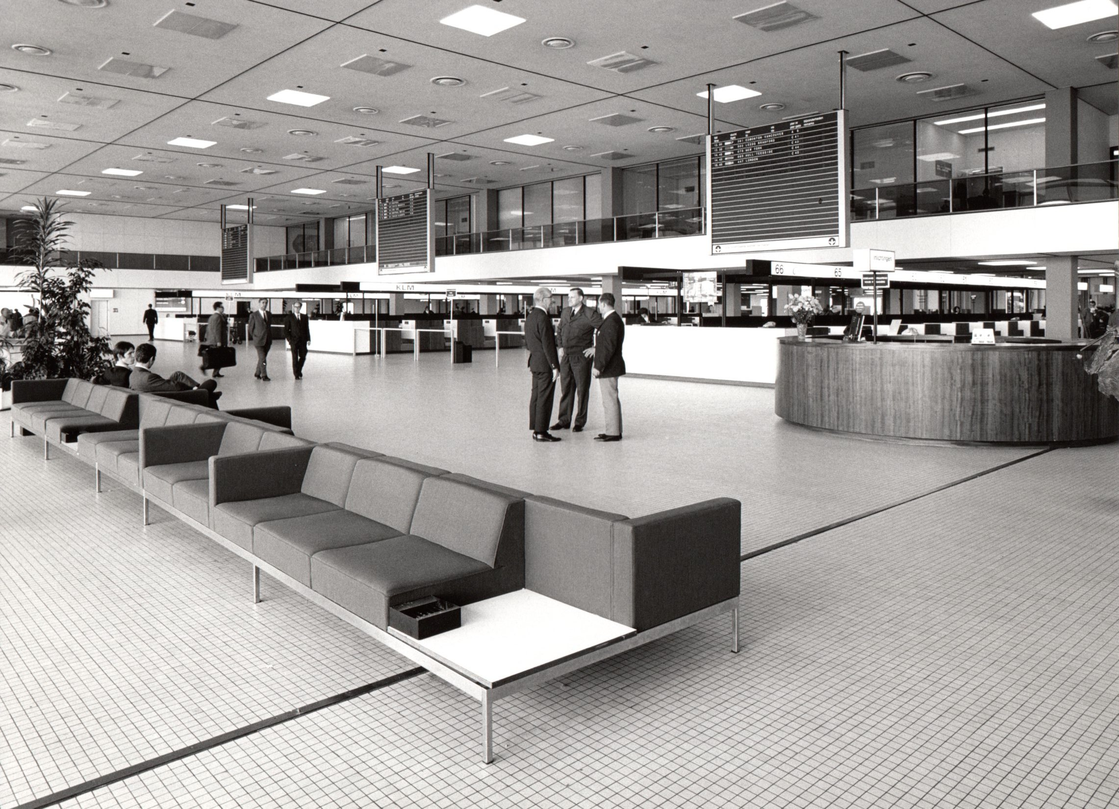 Series 720 was designed for Schiphol (Amsterdam Airport) Here seen in 1967. Photo Jan Versnel