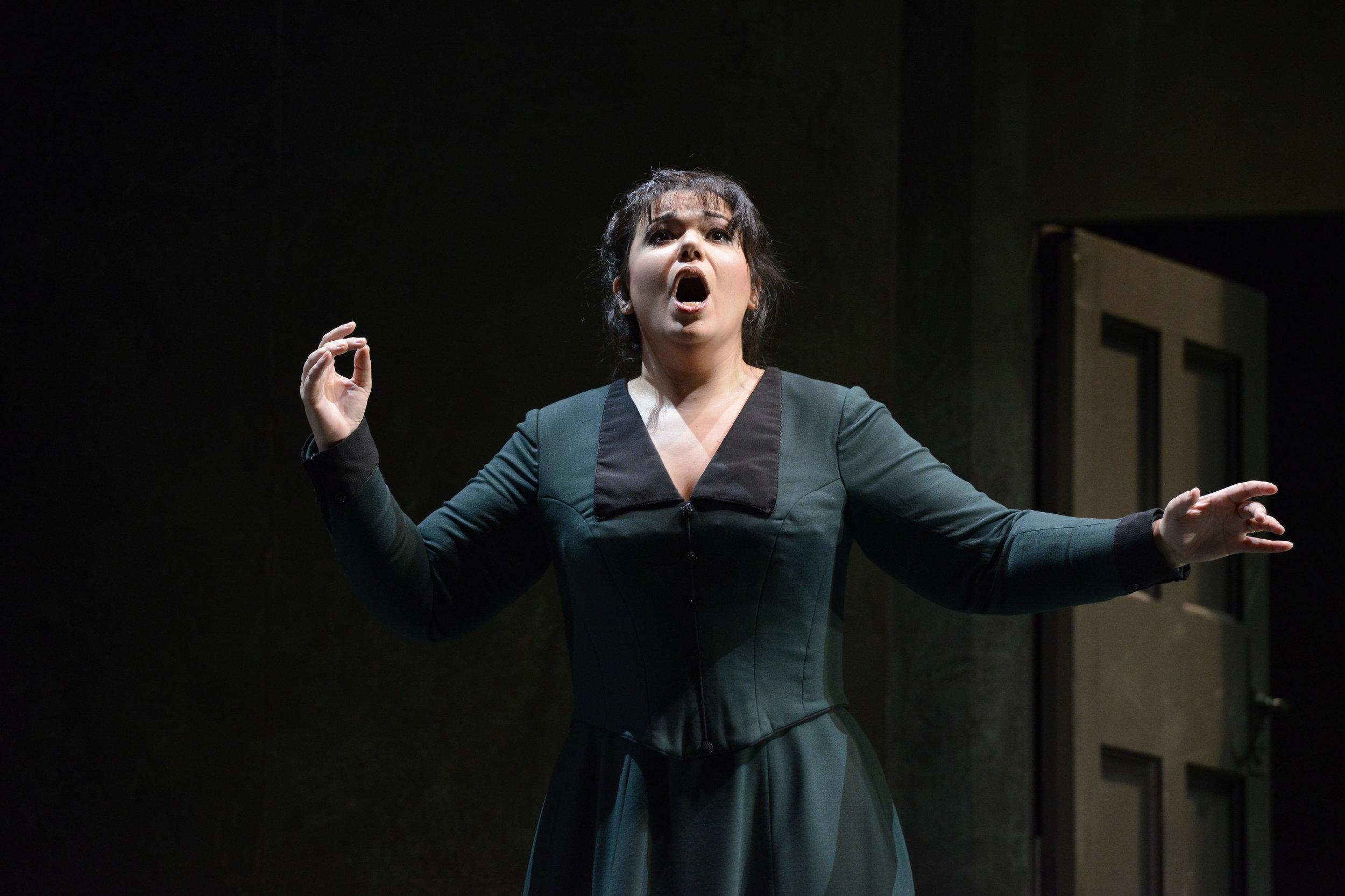 Kat'a Kabanova at Boston Lyric Opera - Photo by Eric Antoniu