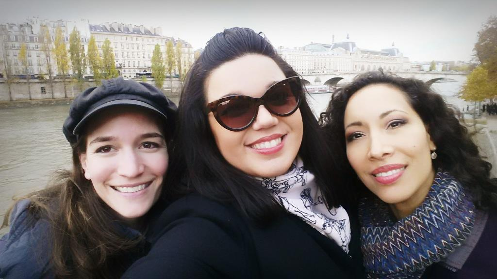 American Girls in Paris, mais oui! (Kate Lindsey & Nicole Cabell)