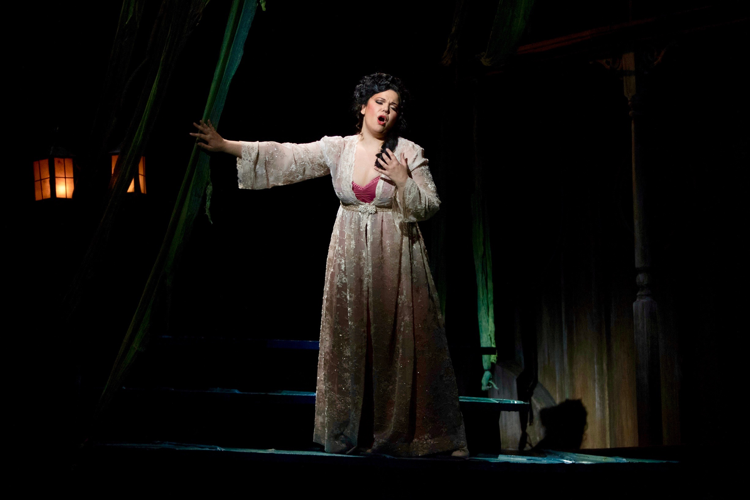 Florencia en el Amazonas at San Diego Opera - Photo by Kat Woronowicz