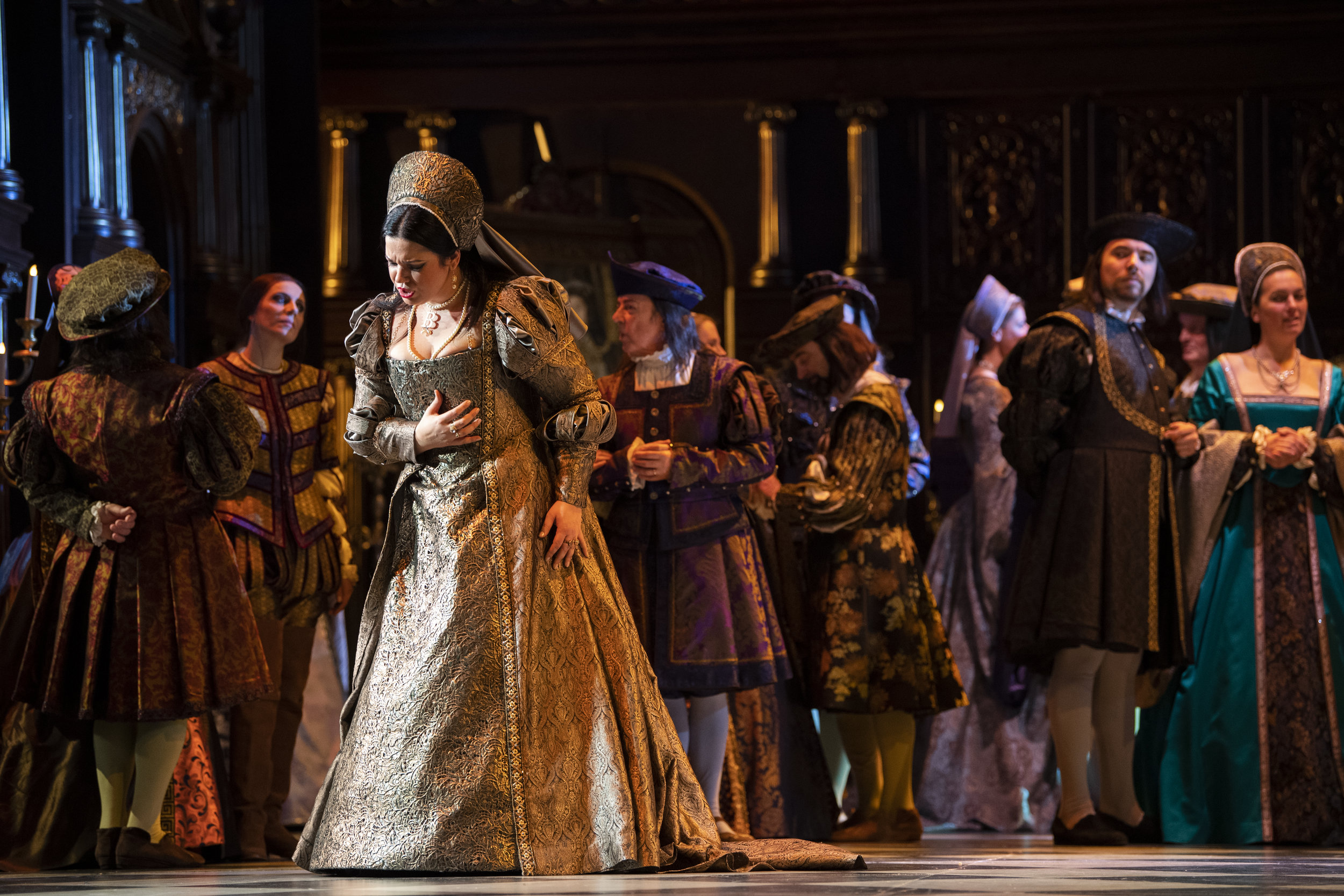 Anna Bolena at Opéra Royal de Wallonie-Liège - Photo by Jonathan Berger