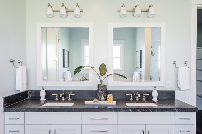 Grawski master bathroom