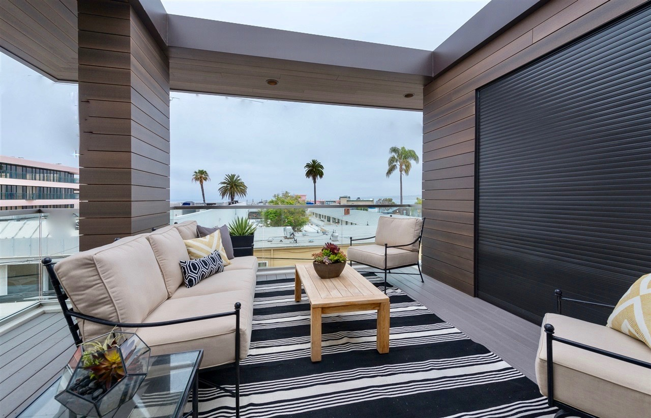 Grawski roof top patio