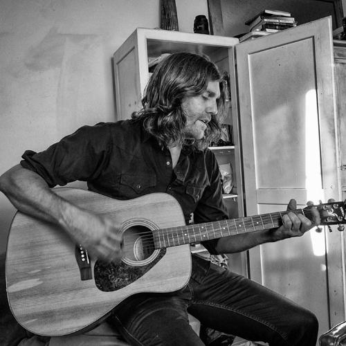 Dave Doobinin photo by Paul De Luna