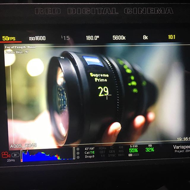 as wide as it is shallow! A 29 seen by a 25.. #zeisssupremeprime #lensporn #redmonstro #dmc2 #cameradept #focuspuller #vistavision #cinematography #cinematographer #redweapon8k