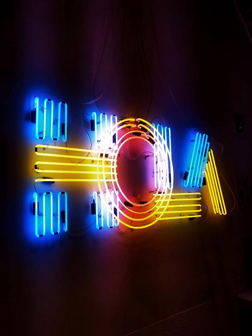 efdot-HOLA-neon-3.jpg