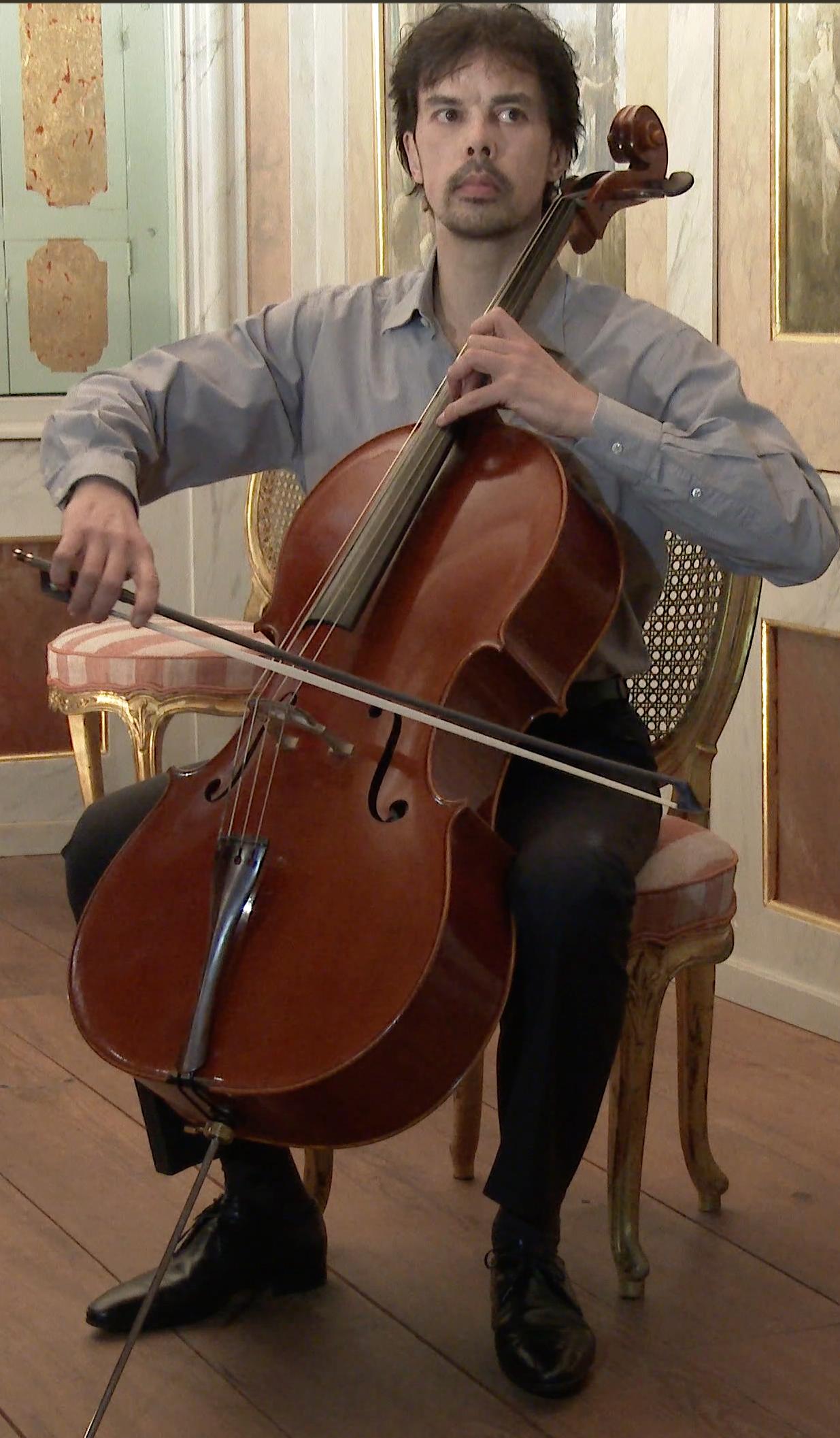 Detmar-Leertouwer-detmarleertouwer.com-Dominus-Maris-Music-Productions-Bach-in-Castles-Bach-in-Burchten-Misha-Maisky-Pieter-Wispelwey-Book-for-Cello-Peteris-Vasks-Peter-Sculthorpe-Requiem-for-Cello-Alone-Fantasia-for-Cello-Alone-Richard-Gwilt-Cello-Cellist-Violoncello-Yo-Yo-Ma