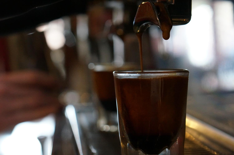 www.backporchcoffeeroasters.com