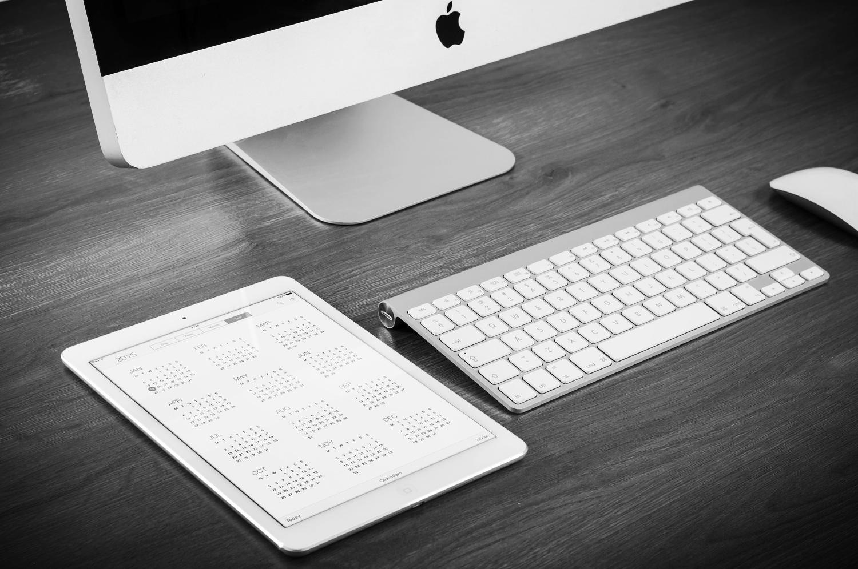 Public Relations, Mac Computer