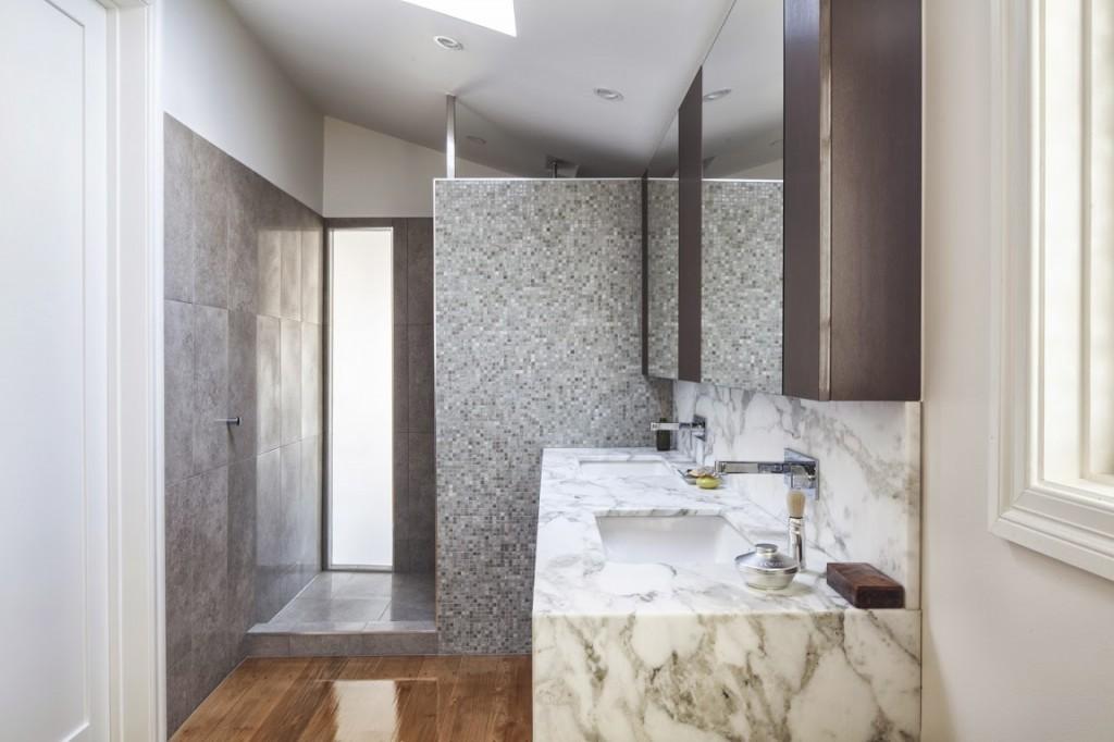 Ferrier-Baudet-Architects-Graceville-House-Bathroom1-1024x682.jpg