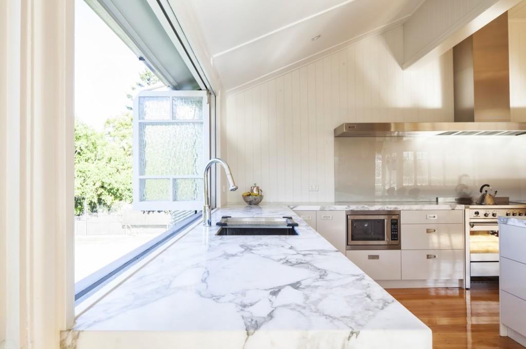 Ferrier-Baudet-Architects-Graceville-House-Kitchen-21-1024x680.jpg