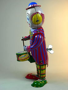 Unknown_Chinese_Maker_Tin_Wind_Up_Clown_Drummer_Side.jpg