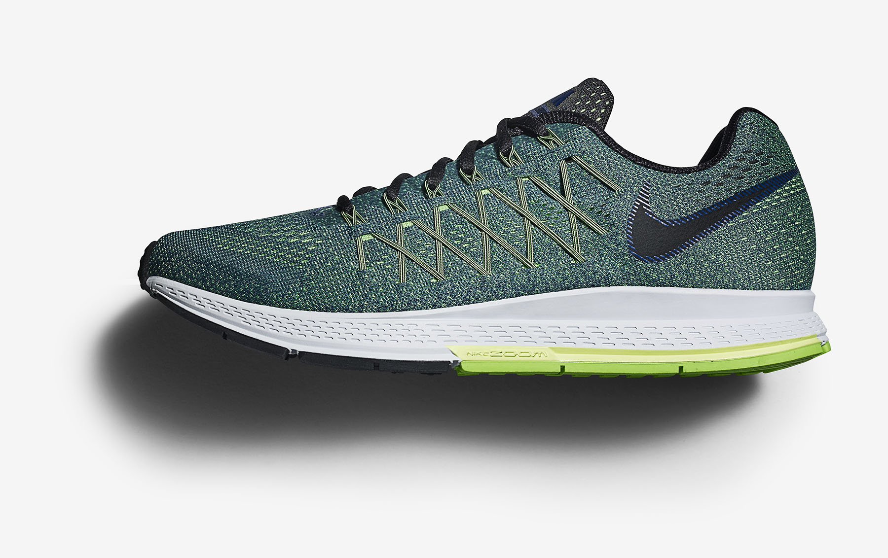FA15_GDC_GEAR_UP_STILL_LIFE_MENS_CROSS_COUNTRY_749340-403_AIR_ZOOM_PEGASUS_32_020 copy.jpg