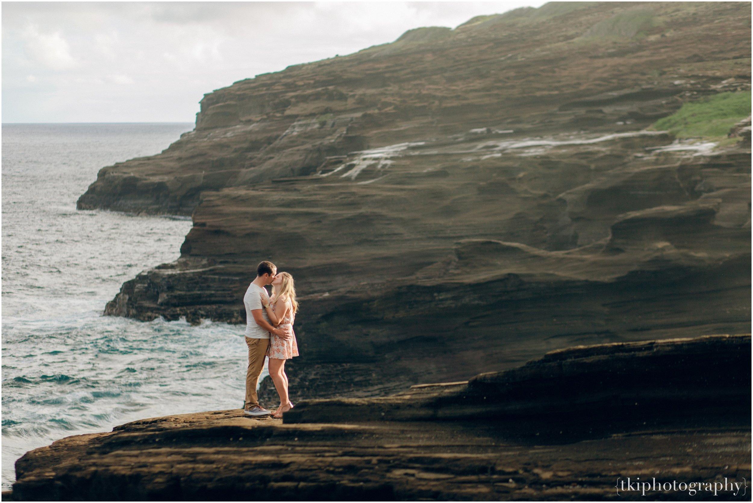 Cliffside on Hawaii Engaegement Portrait.jpg