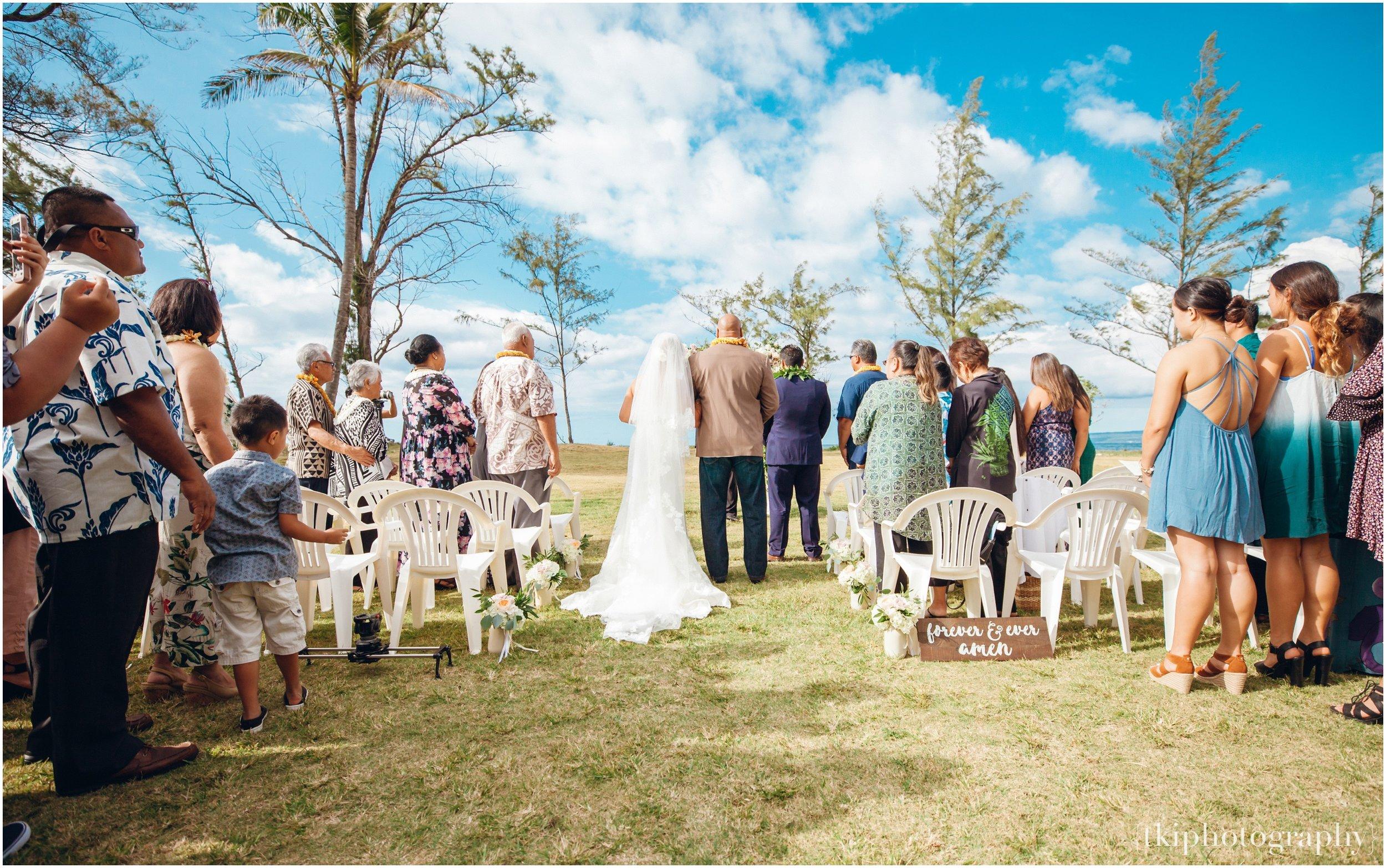 Oahu-Destination-Wedding-Beach_0086.jpg
