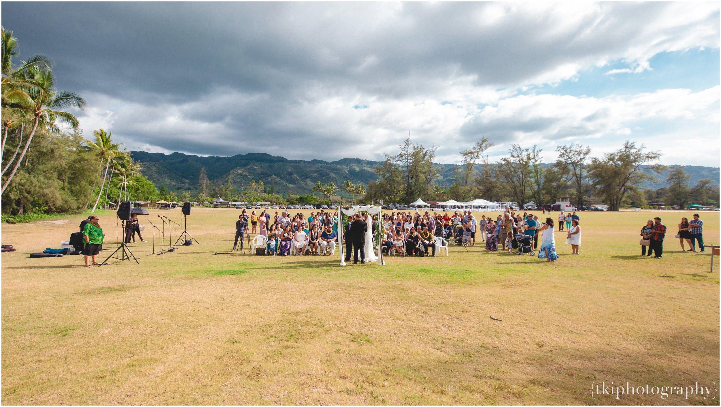 Oahu-Destination-Wedding-Beach_0089.jpg
