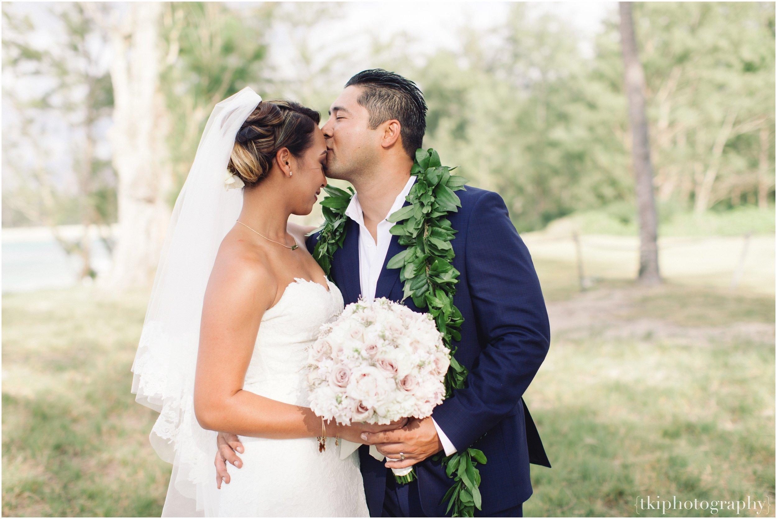 Oahu-Destination-Wedding-Beach_0099.jpg