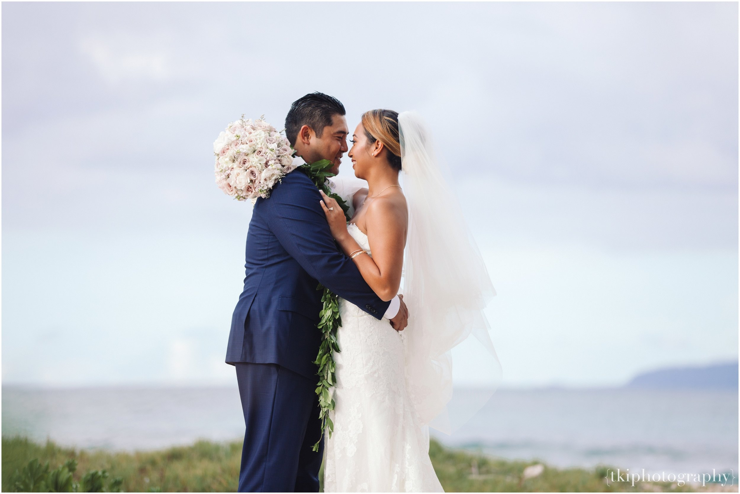 Oahu-Destination-Wedding-Beach_0107.jpg