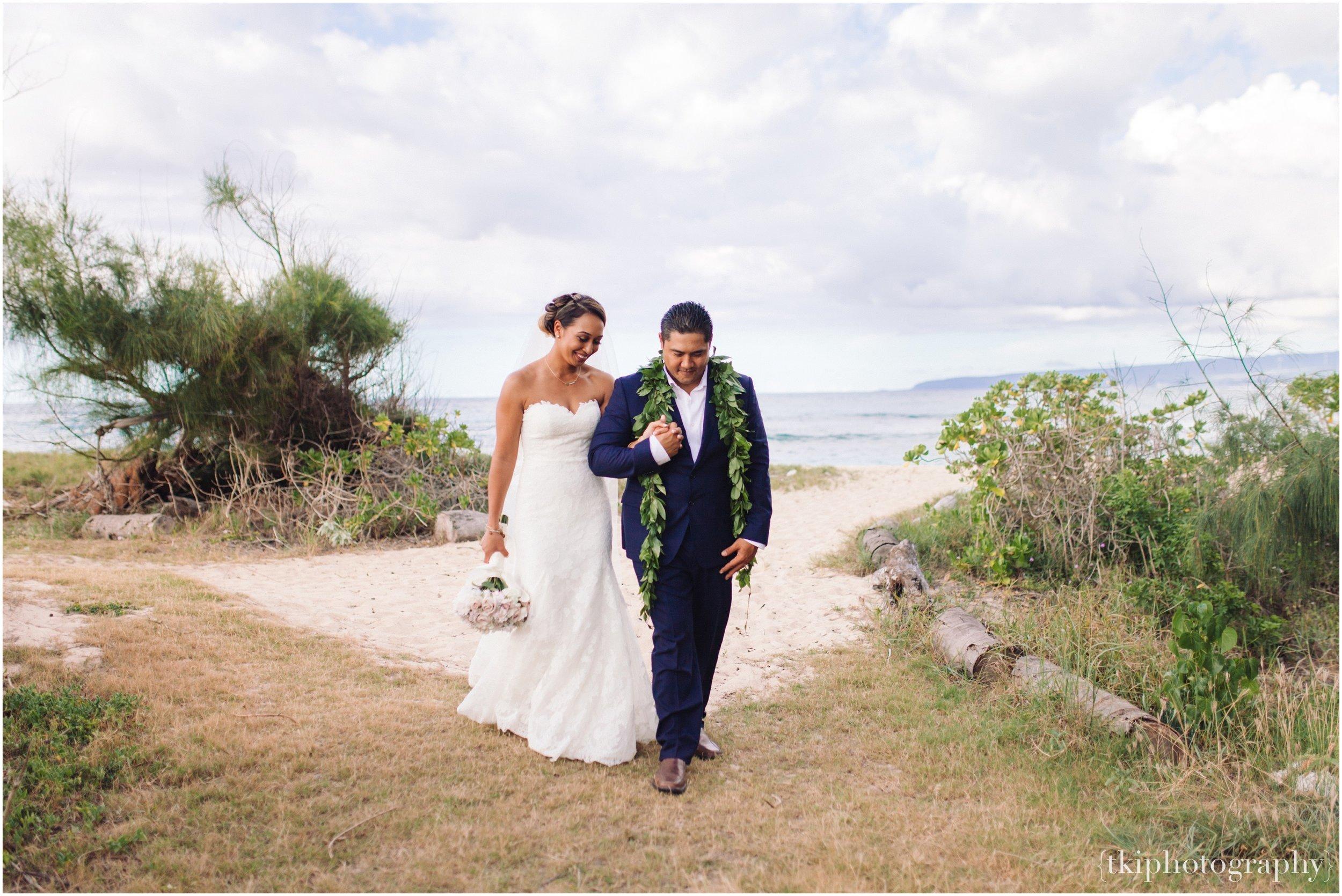 Oahu-Destination-Wedding-Beach_0109.jpg