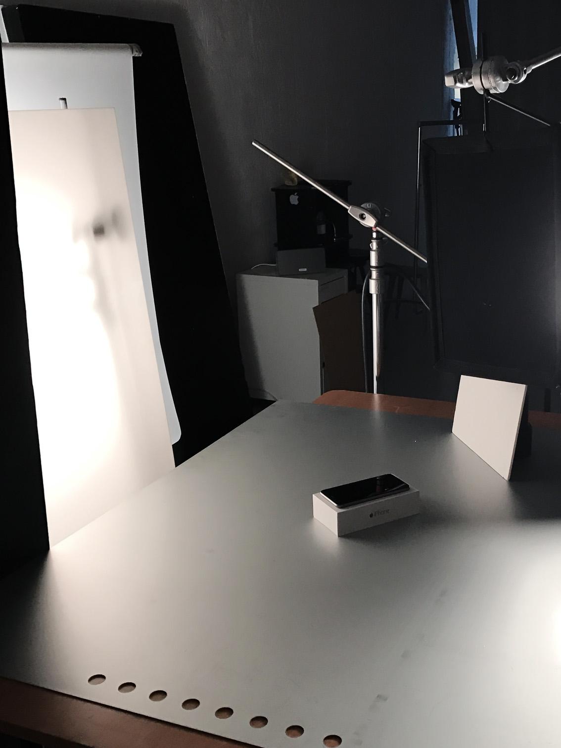Kapaskiva studsar tillbaka ljus på produkten.