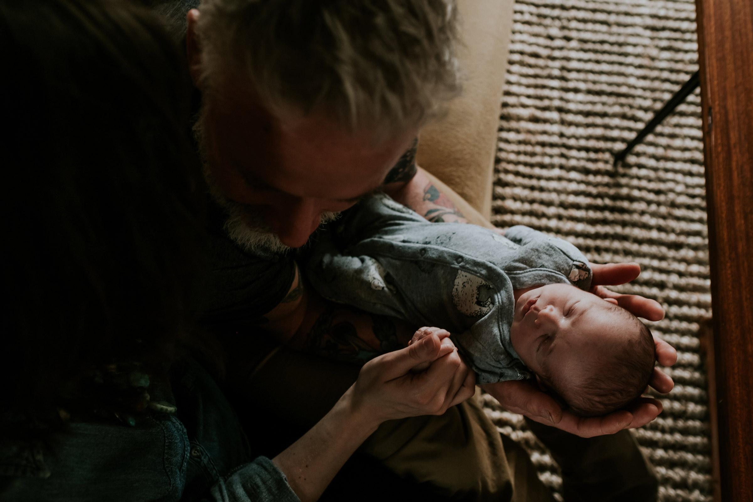 baby-rufus-and-dad--newborn-portrait-photographer-raelyn-ramey-photography-Des-Moines-Iowa-7.jpg