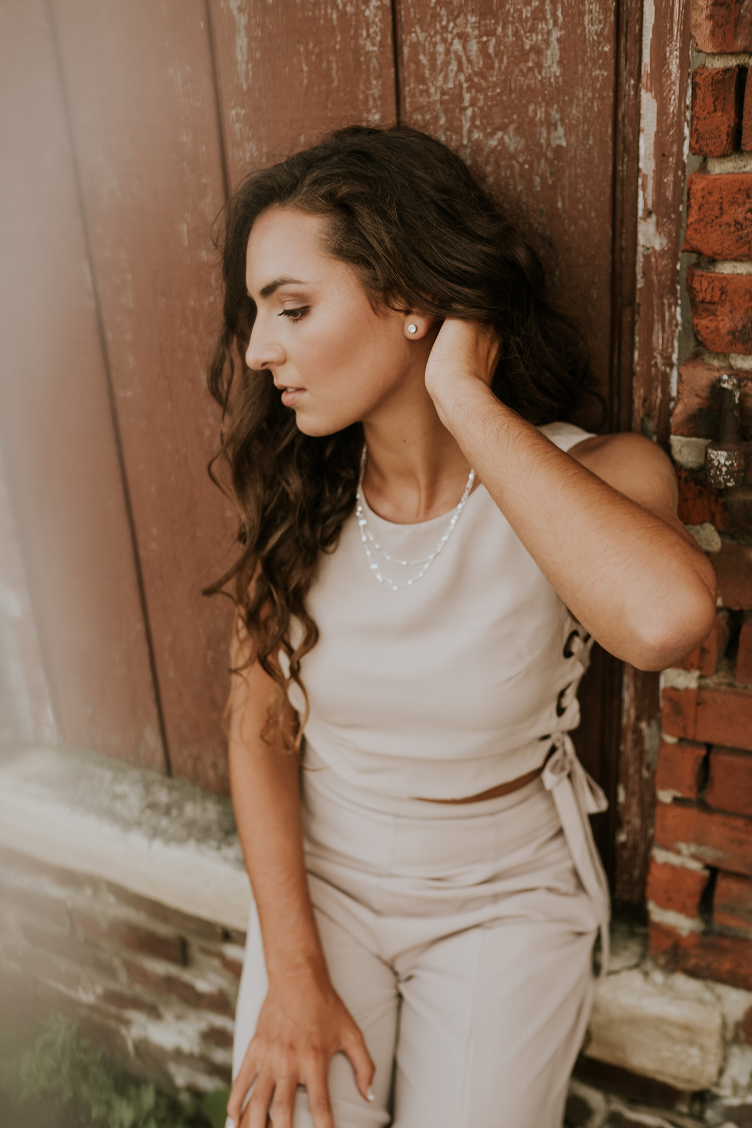 lizzy-senior-girl-modeling-in-winterset-ankeny-high-school-desmoines-iowa-raelyn-ramey-photography-46.jpg