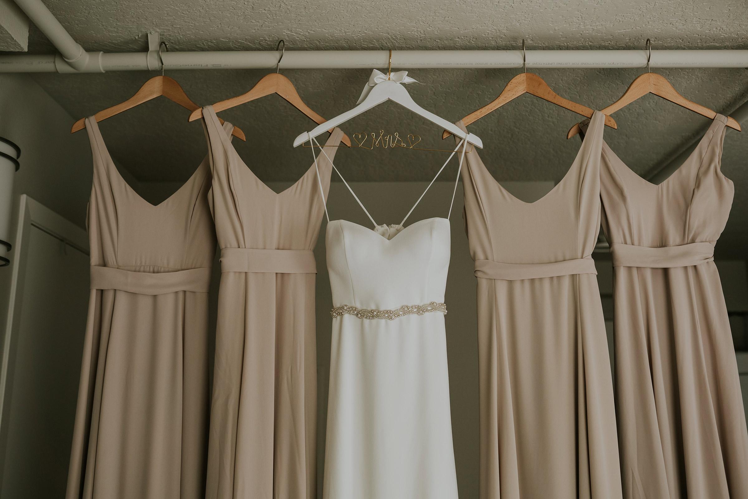 mr-mrs-hull-bride-dress-bridesmaid-dresses-desmoines-iowa-raelyn-ramey-photography-8.jpg