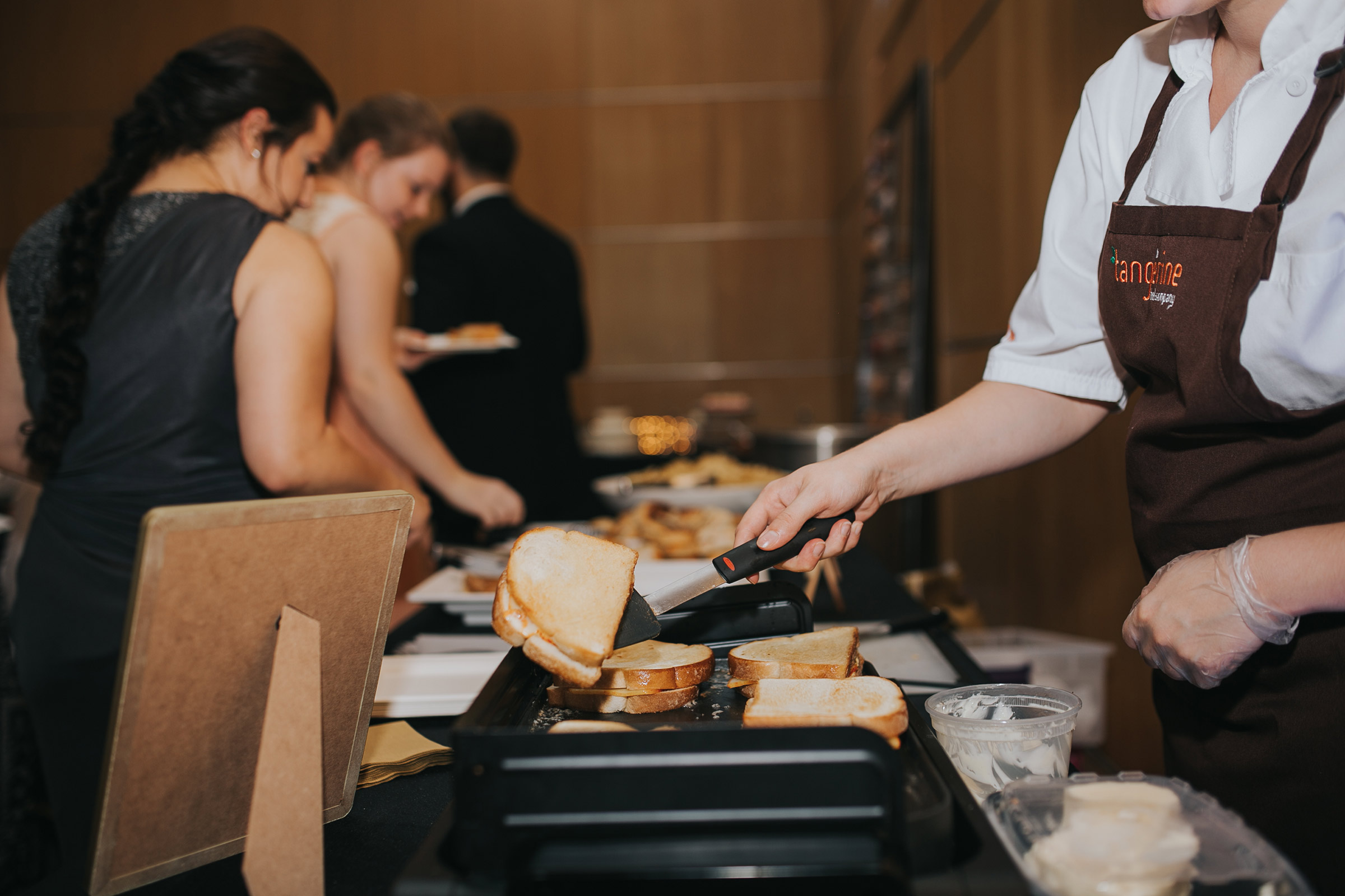 tangerine-catering-company-wedding-buffet-desmoines-iowa-art-center-raelyn-ramey-photography.jpg