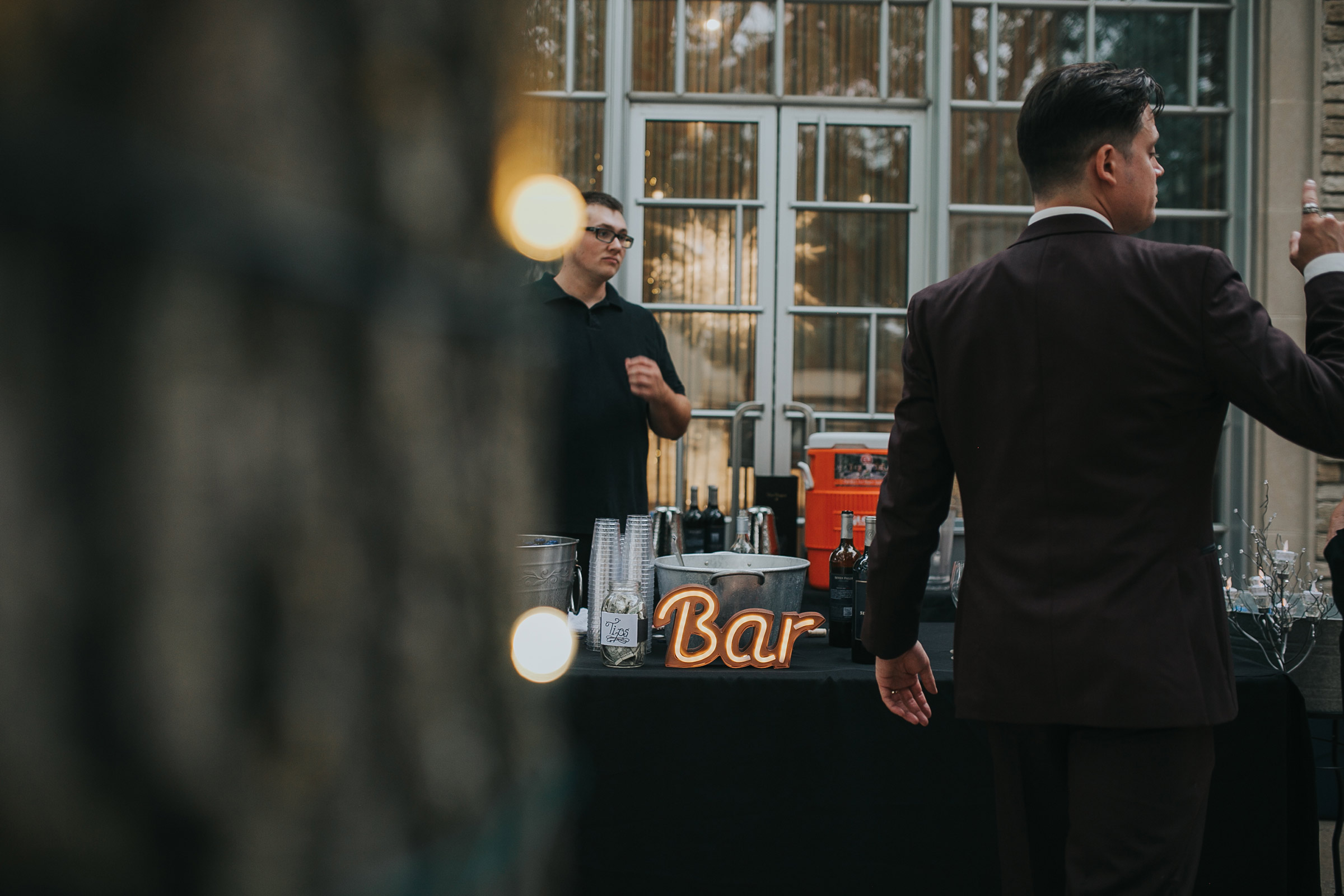 wedding-bar-desmoines-iowa-art-center-raelyn-ramey-photography.jpg