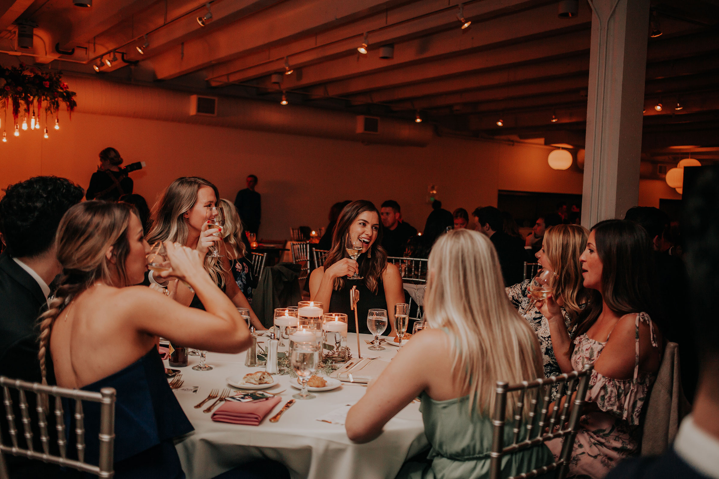 guests-talking-at-round-table-founders-one-nine-omaha-nebraska-raelyn-ramey-photography.jpg