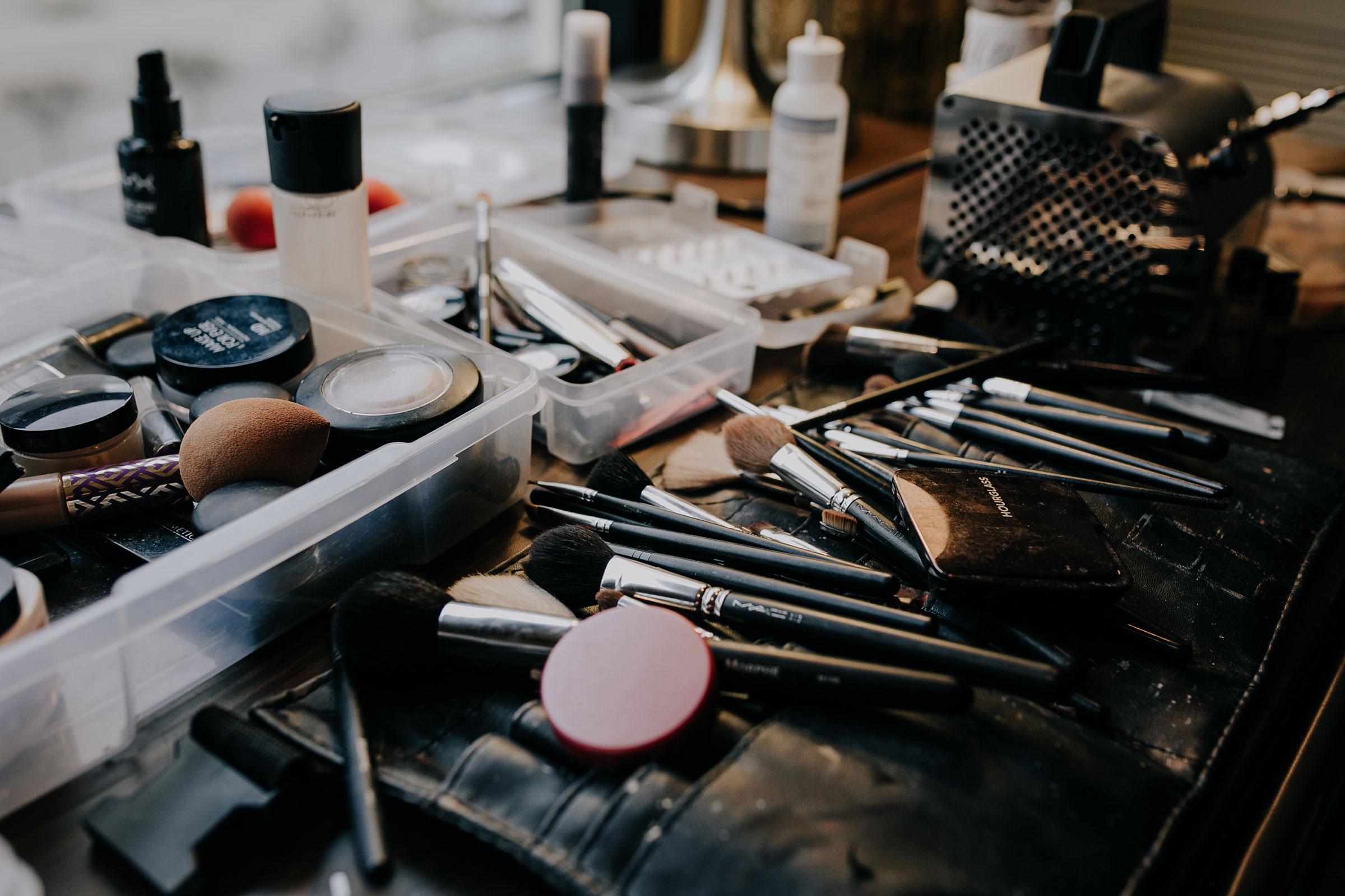 makeup-brushes-hilton-omaha-nebraska-raelyn-ramey-photography.jpg
