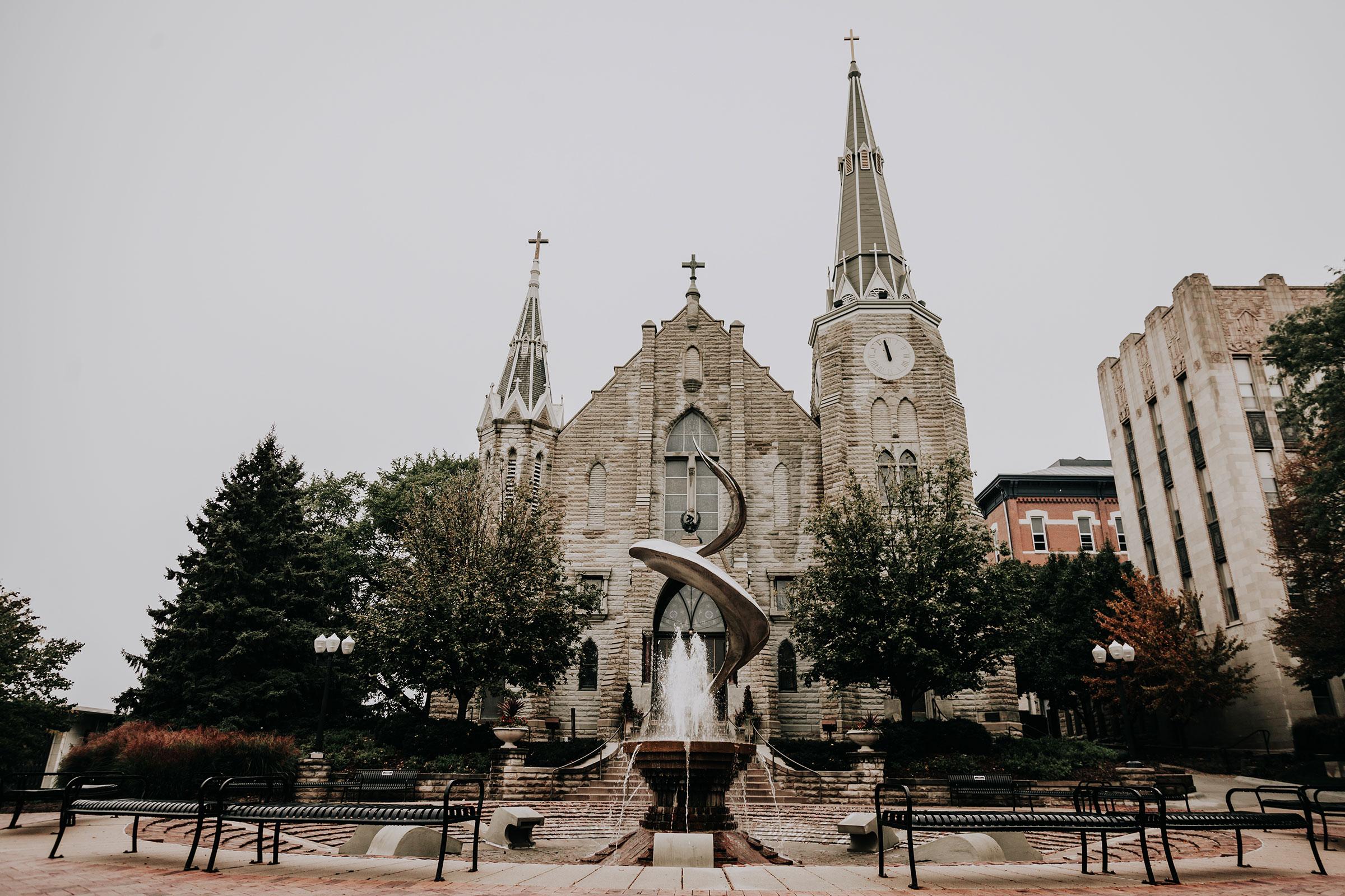 outside-grounds-st-johns-church-at-creighton-omaha-nebraska-raelyn-ramey-photography.jpg