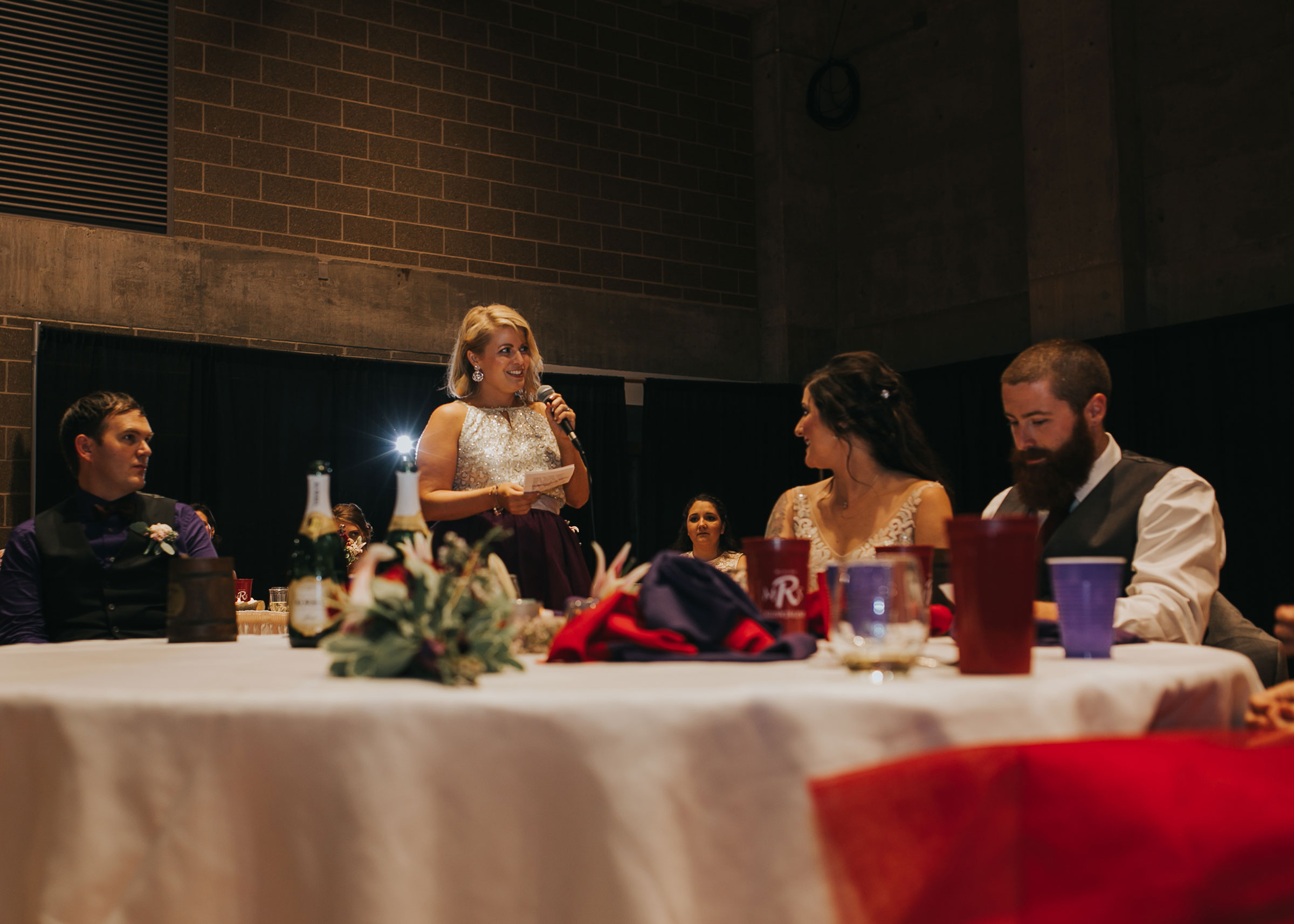 maid-of-honor-speech-pella-plaza-desmoines-iowa-raelyn-ramey-photography.jpg