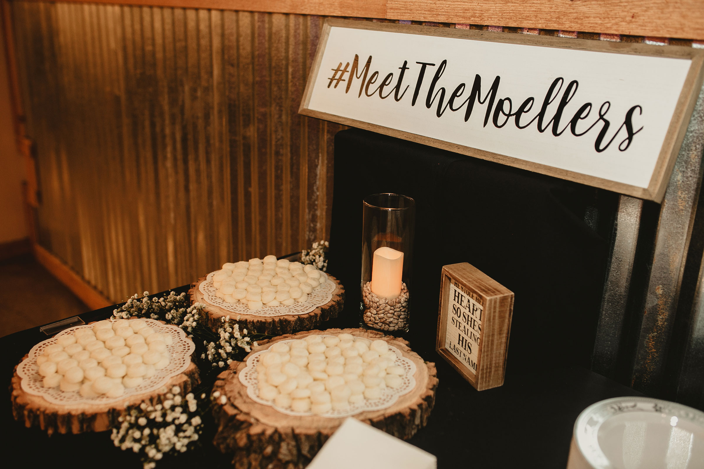 hashtag-sign-dessert-table-decades-event-center-building-desmoines-iowa-raelyn-ramey-photography..jpg