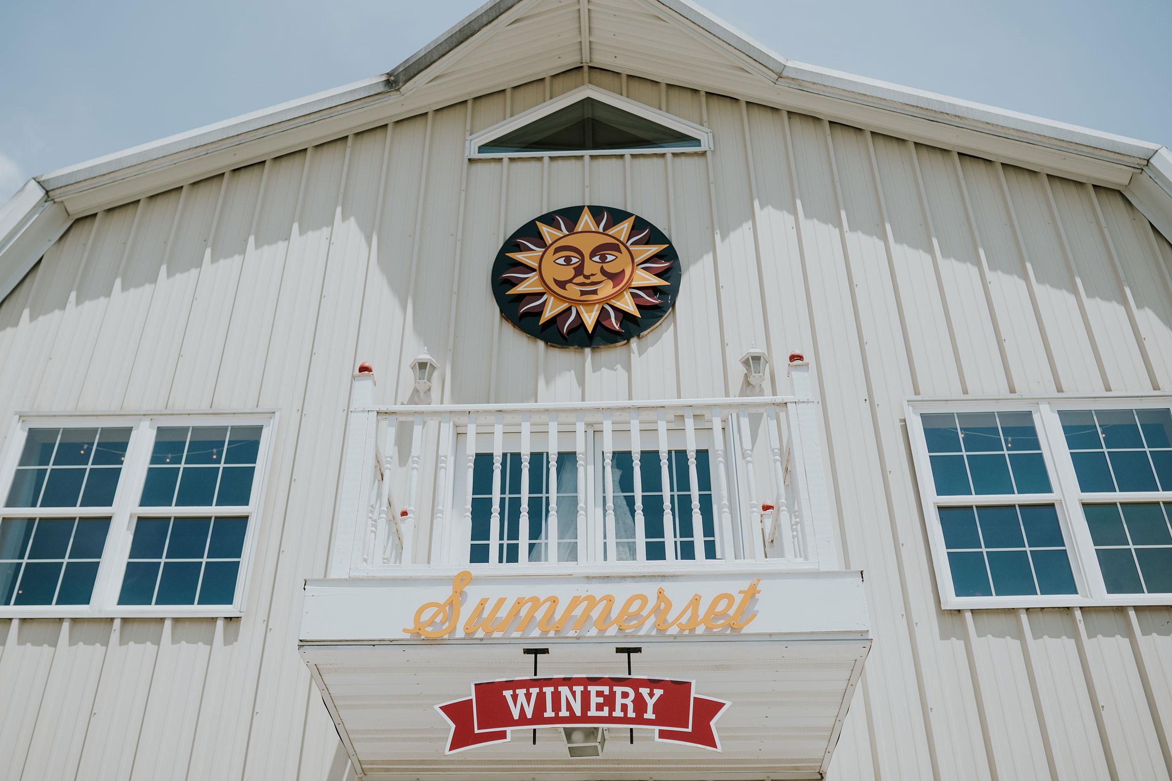 outside-barn-summerset-winery-indianola-iowa-raelyn-ramey-photography.jpg
