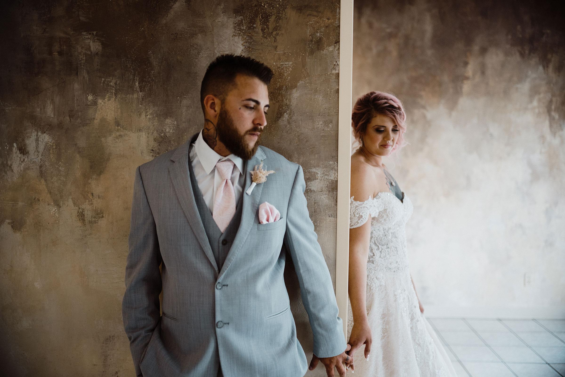 non-first-look-bride-groom-wedding-summerset-winery-indianola-iowa-raelyn-ramey-photography.jpg